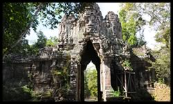 BEAT THE CROWDS AT ANGKOR THOM